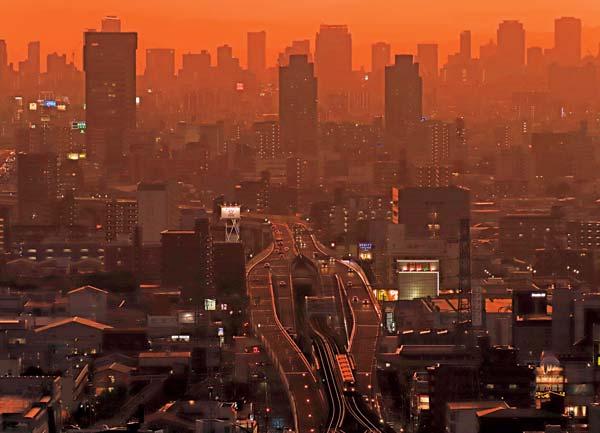 夕暮れの大阪遠望