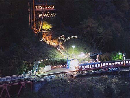 奥大井湖上駅のイルミネーション