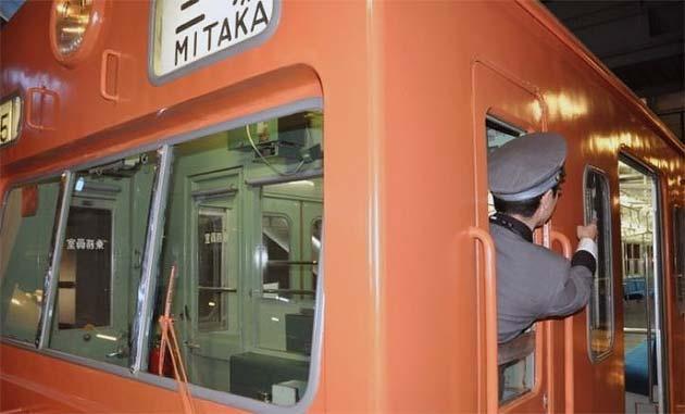 鉄道博物館で「クモハ101形式電車ドア閉め体験」開催