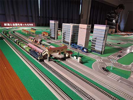 新津鉄道資料館で「運転席公開」など実施