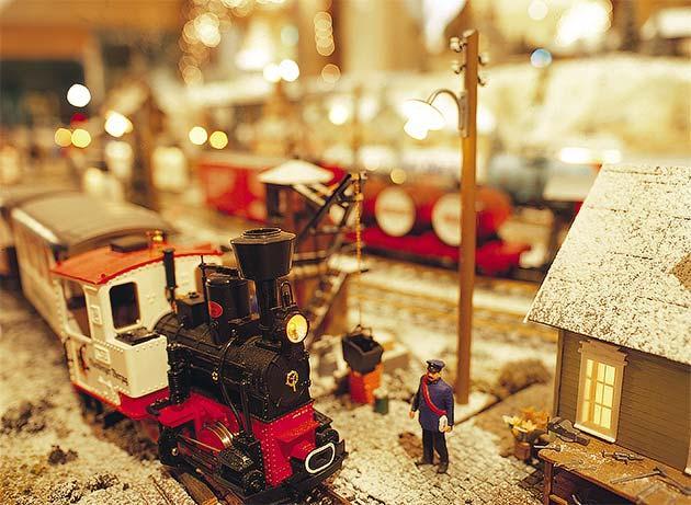 「ヒルトン東京ベイ・クリスマス・トレイン」実施