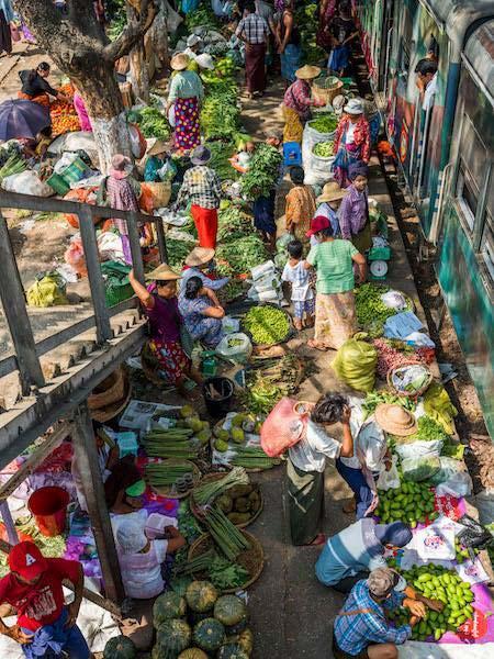 小池隆写真展「ミャンマーの鉄道と人々と」開催