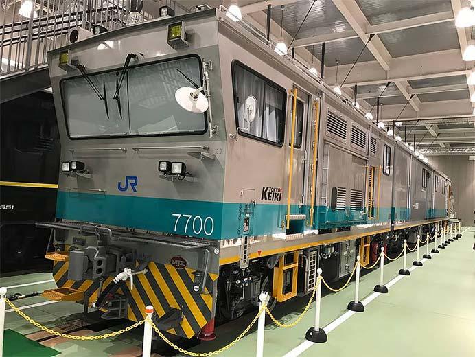 京都鉄道博物館でレール探傷車を特別展示