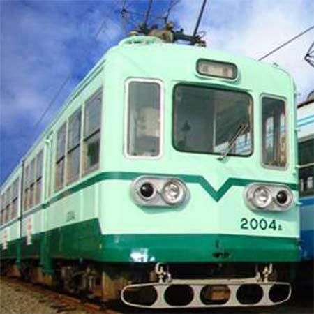 貸切乗車する筑豊鉄道2000形