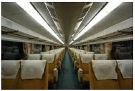 京都鉄道博物館で「0系16形1号車」車内公開