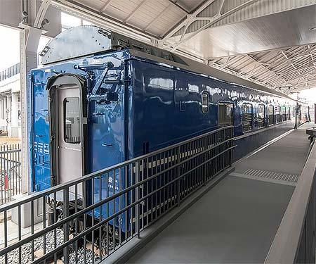 京都鉄道博物館でオロネ24 4の車内公開開催