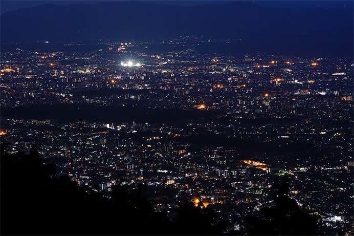 叡山ケーブル・叡山ロープウェイ,夏休み期間のナイター運行を実施