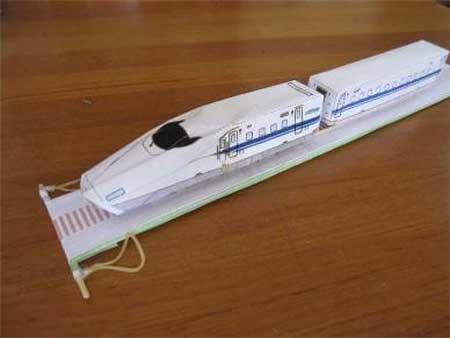 京都鉄道博物館で「新幹線のお話とペーパーモデルづくり」開催