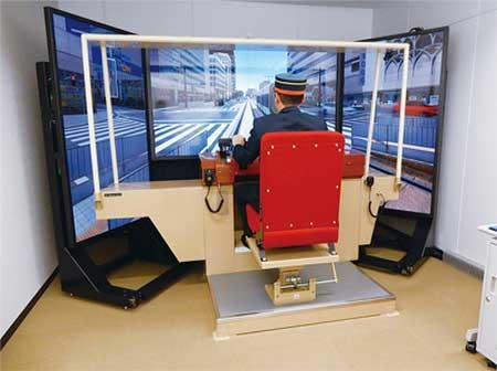 『ひろしまドイツクリスマスマーケット』で,広島電鉄の電車運転シミュレータ体験などを実施