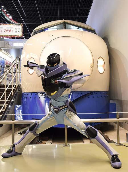 鉄道博物館に「山陽新幹線公式キャラクター カンセンジャー」が登場