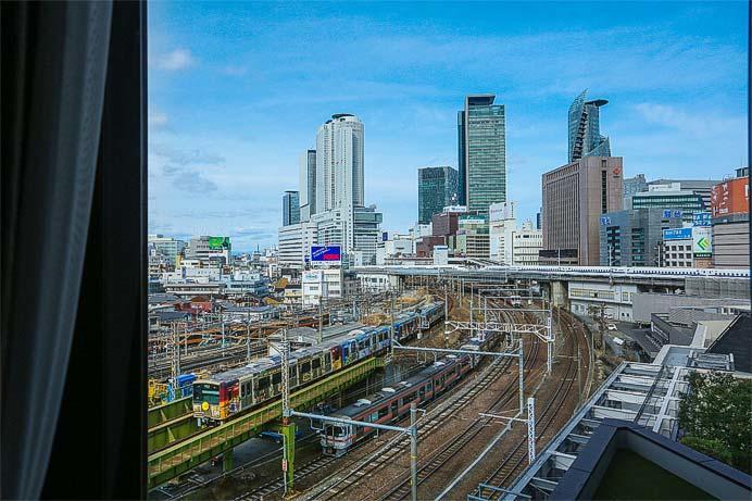 ストリングスホテル名古屋「電車バルーン&お菓子バッグ付 トレインビュールームプラン」を販売