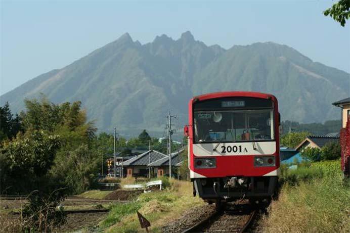 南阿蘇鉄道で,「午後の紅茶CM特別列車」運転