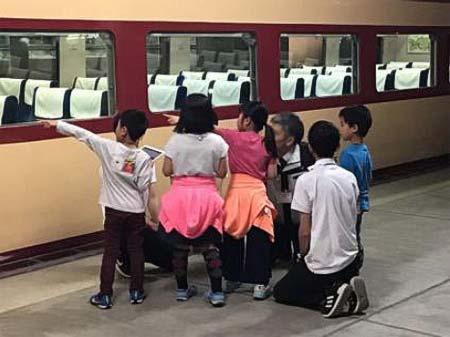 鉄道博物館で,『対話型鑑賞プログラム「鉄道車両のミカタ」』を開催