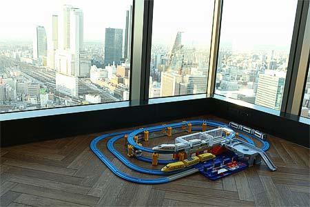 名古屋プリンスホテル スカイタワー「トレインビュー&プラレールルームプラン」内装イメージ
