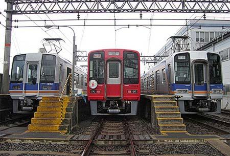 南海電鉄で「小原田車庫見学会 運転士・車掌気分を体験しませんか!」実施