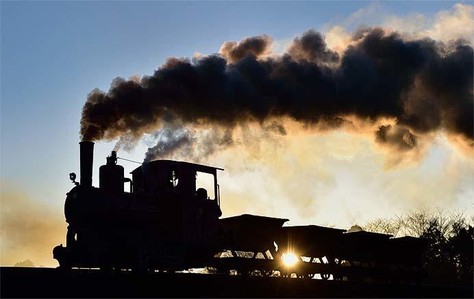 春曙の轍 第一回写真展「ひかりの鉄道」開催
