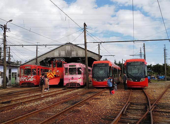 『「鉄道の日」万葉線電車まつり』開催