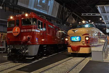 青函連絡船に接続した列車の再現展示