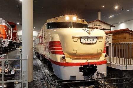 京都鉄道博物館でキハ81-3の車内公開