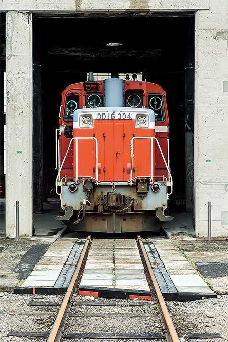津山まなびの鉄道館で「転車台回転実演イベント」実施
