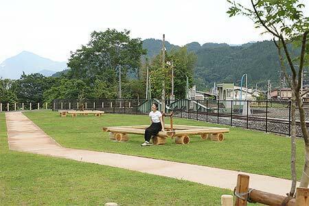 三峰口駅「SL転車台公園」