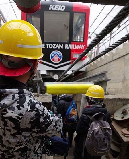 御岳登山鉄道「御岳山ケーブルカー バックヤードツアー」の参加者募集