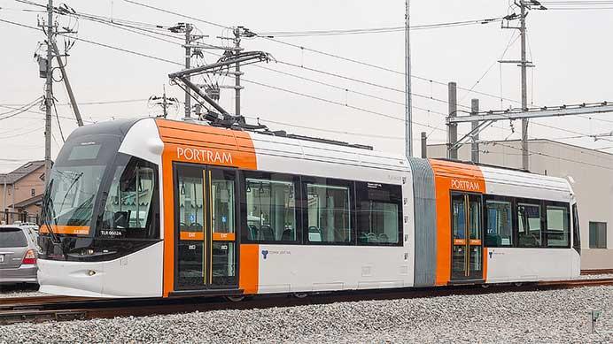 富山ライトレール TLR0600形電車
