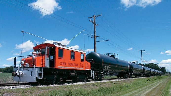 アメリカ・アイオワ州で現役の古典凸形電気機関車