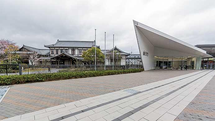 京都鉄道博物館エントランス