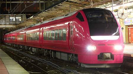 E653系「ハマナス色」