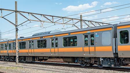 中央快速線用E233系トイレ設置車