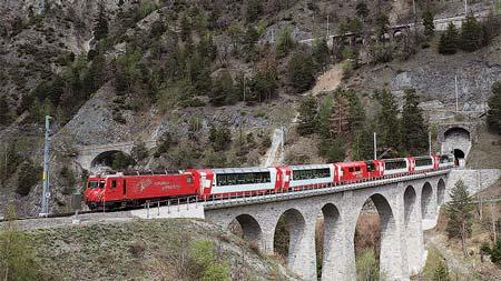 スイス RhB(レーティッシュ鉄道)・MGB(マッターホルン・ゴルナーグラート鉄道)「グレッシャー・エクスプレス」「エクセレンスクラス」の旅