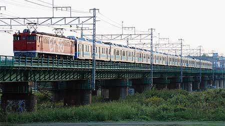EF65 1118,甲種輸送列車をけん引