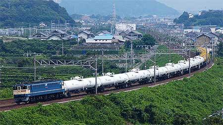 タキ19両,日中の東海道を下る