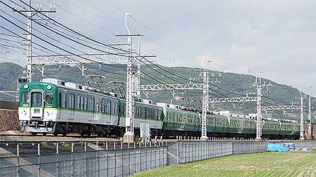 京阪で新旧混色編成が運転中