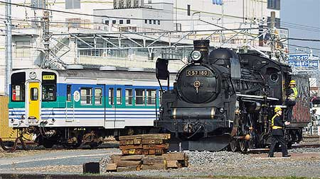 C57 180,木更津に到着