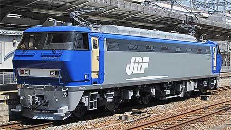 EF200-2,新塗色になって出場