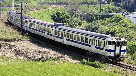 https://cdn3.railf.jp/img/news/2009/04/090429_47_5715.jpg