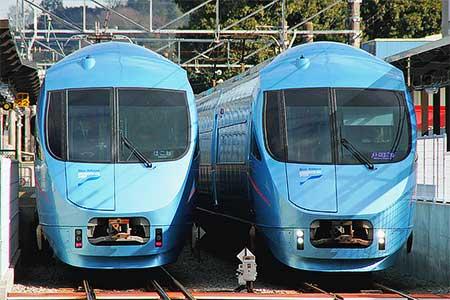 LSE代走の影響で,MSEが箱根登山線内で並ぶ