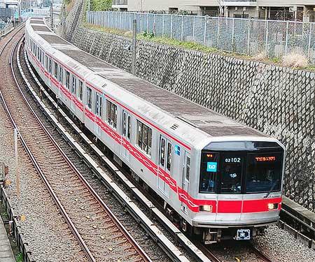 丸ノ内線02系大規模改修車が営業運転を開始|鉄道ニュース|2010年2月 ...
