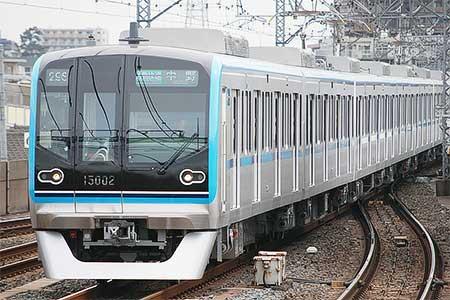 東京メトロ15000系が営業運転を開始