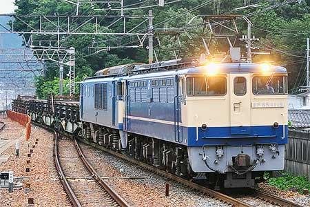 8864列車次位にEF64 1048が連結される
