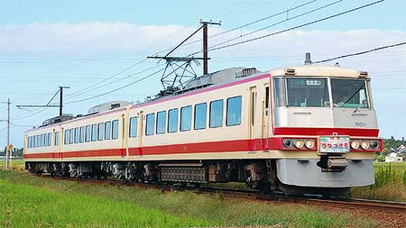 富山地方鉄道16010形が3連で運転