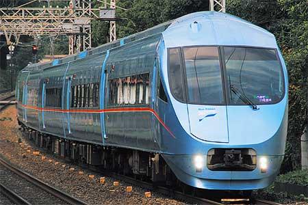 小田急ロマンスカー「MSE」による団体臨時列車