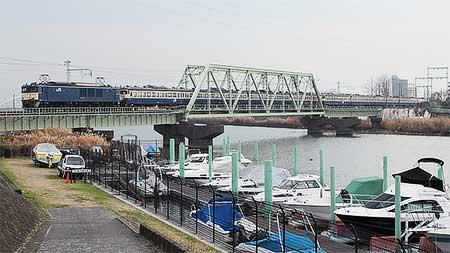113系が長野総合車両センターへ配給輸送される
