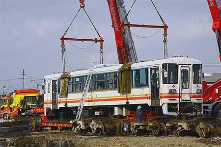 平成筑豊鉄道100系・300系がミャンマーへ
