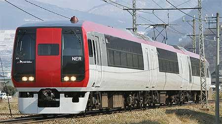 長野電鉄2100系が営業運転を開始