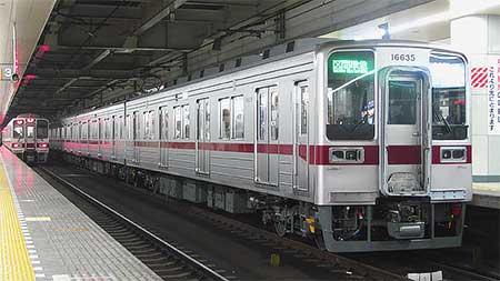 東武10030系リニューアル車が営業運転を開始