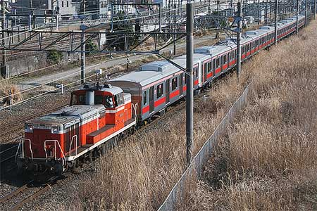 東急5050系が甲種輸送される