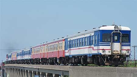 キハ52形7両が藤寄へ甲種輸送される
